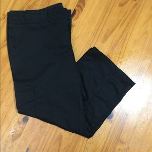 THE LIMITED BLACK CAPRIS